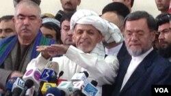 اشرف غنی احمدزی با معاونان اش