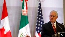 La visita del secretario de Estado Rex Tillerson a México es la primera parada en un viaje de seis días por América Latina que también lo llevará a Argentina, Perú y Colombia, con una parada final en Jamaica el 7 de febrero.
