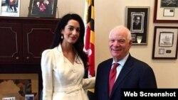 Senator Ben Cardin və vəkil Amal Kluni
