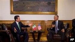 2月19日奥巴马总统在墨西哥托卢卡的政府大厦会晤墨西哥总统涅托