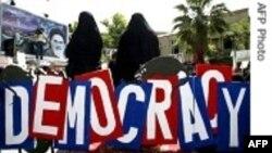 ABŞ Mətbuatı: Rusiya və İranda demokratik mücadilə
