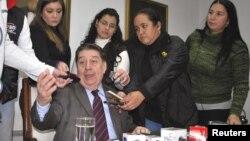 El ministro de Relaciones Exteriores de Paraguay José Félix Fernández habla durante una conferencia de prensa. La cancillería paraguaya aún no se pronuncia sobre la expulsión de Venezuela de cuatro de sus diplomáticos.