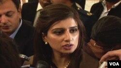Menlu Pakistan Hina Rabbani Khar memperingatkan Afghanistan untuk tidak mengharapkan hal yang tidak realistis dalam perundingan damai dengan Taliban (17/2).