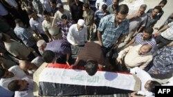Похорон жертви атаки на мечеть у Багдаді