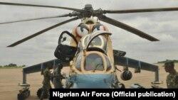 Un hélicoptère de combat Mi-35P de l'armée dans l'Etat du Plateau, le 25 juin 2018