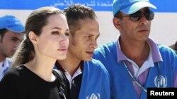 BM Mülteciler Dairesi Özel Temsilcisi aktris Angelina Jolie