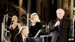 Շառլ Ազնավուրի կատարումը Միլանում 2010 թվականի հուլիսի 19-ին (արխիվային լուսանկար)