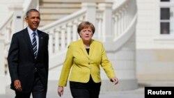 지난 4월 독일을 방문한 바락 오바마 미국 대통령(왼쪽)이 앙겔라 메르켈 독일 총리화 정상회담을 가졌다. (자료사진)