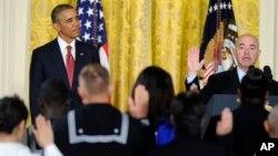 Tổng thống Obama chứng kiến lễ tuyên thệ nhập tịch của các công dân mới tại Tòa Bạch Ốc, 4/7/14