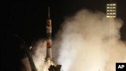 3名新宇航員乘搭俄羅斯太空船升空到國際太空站。