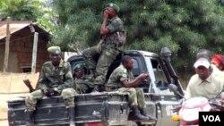 Thành viên nhóm phiến quân M23 trong thị trấn Bunagana, CHDC Congo