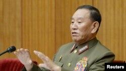 Kim Yong Chol, Phó chủ tịch Ủy ban Trung ương Đảng Lao động cầm quyền Triều Tiên, từng là Cục trưởng Cục trinh sát, sẽ tham dự lễ bế mạc Olymic ở Hàn Quốc.
