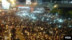 数万香港人连续示威声援占中 (美国之音海彦拍摄)