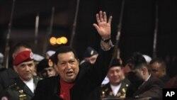 Tổng thống Venezuela Hugo Chavez tại phi trường Simon Bolivar ở Maiquetia , Venezuela, ngày 16 tháng 3, 2012.