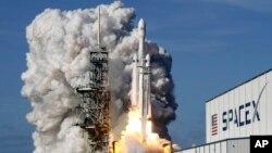 VOA连线(张树人):SpaceX互联网卫星,真能突破中国防火墙?