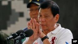 菲律賓新總統杜特爾特9月15日在馬尼拉講話資料照。