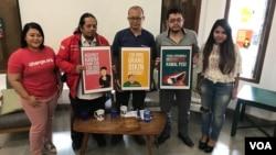 """Dari kiri ke kanan: Ketua Paguyuban Supporter Timnas Indonesia, Ignatius Indro, Aktivis Indonesia Corruption Watch yang juga menggagas petisi """"Edy Harus Mundur"""", Emerson Yuntho, peneliti hukum olahraga Eko Noer Kristyanto, dalam konferensi pers di Jakarta"""