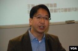 研討會第一位講者公共專業聯盟主席莫乃光發言時,場內支持北京人士不斷叫囂、滋擾