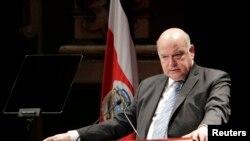 """José Miguel Insulza, Secretario General de OEA, dijo sobre Venezuela que """"el tema ha sido ya resuelto por los tres poderes del Estado""""."""