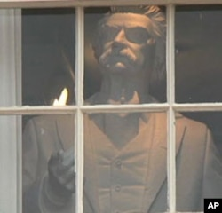 The museum hopes to raise $10 million by the end of 2010 for the upkeep of buildings that were important to Mark Twain.