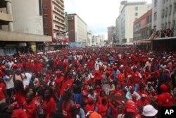 Abasekeli beMDC-T embuthanweni wokuvalelisa umkhokheli wabo uMnu Morgan Tsvangirai.