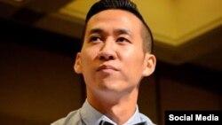 """Các cuộc biểu tình ở Việt Nam tuần trước đang """"gây sóng gió"""" trong quan hệ Hà Nội – Washington vì vụ bắt giữ công dân Mỹ Will Nguyen, người xuất hiện trong cuộc xuống đường hôm 10/6, và theo báo chí Việt Nam, đã bị bắt và bị truy tố vì """"gây rối trật tự công cộng"""". Trong khi đó, mẹ của anh Will Nguyễn nói với VOA tiếng Việt rằng anh là một sinh viên thuần túy, không tham gia tổ chức, đảng phái chính trị nào, và có lẽ chỉ có mặt trong đoàn biểu tình vì tính hiếu kỳ""""."""