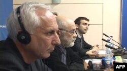 Kosovë: Analistë shqiptarë e serbë debatojnë raportin e Dik Martit