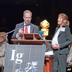 得奖人之一丹尼尔.利伯曼教授