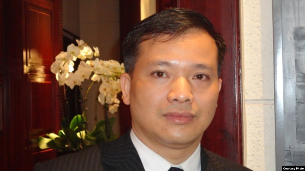 Lawyer Nguyen Van Dai horizon