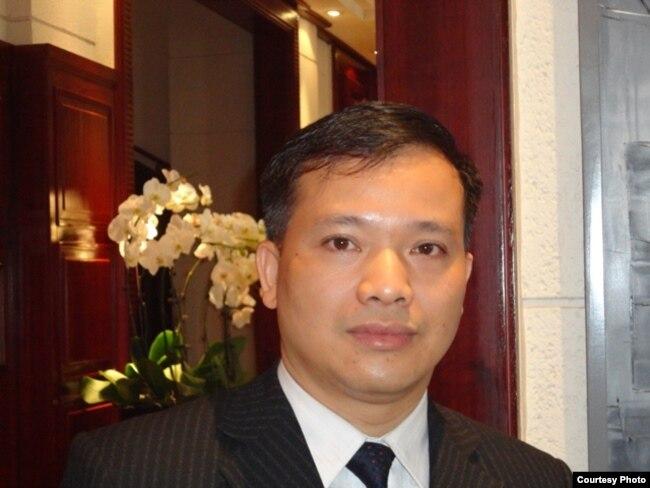 Nguyễn Văn Đài, bị truy tố và 3 lần gia hạn tạm giam theo điều 88 từ 12/2015 cho đến nay vẫn chưa được tiếp xúc luật sư