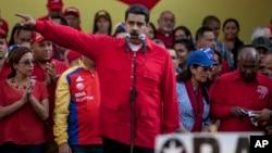 """El líder chavista aseguró que en Venezuela """"hay una democracia plena, verdadera de libertades y nadie ha podido romperla, ni nadie la romperá""""."""