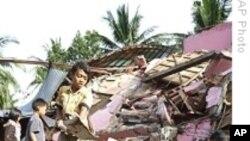 外国救援队驰援印尼抢救地震灾民