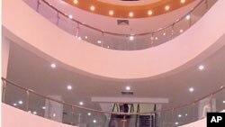 ທາງໃນຕຶກ The Mall ທີ່ຕະຫລາດເຊົ້າວຽງຈັນ ຕອນສ້າງແລ້ວໃໝ່ໆເມື່ອສອງ-ສາມປີຜ່ານມາ