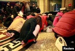2月9日东莞扫黄中有些人被拘留