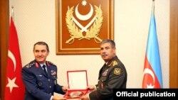 Zakir Həsənov və Türkiyə Hərbi Hava Qüvvələrinin komandanı Hasan Küçükkakyüz