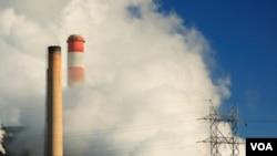 El ahorro de electricidad significa también menos contaminación ambiental.