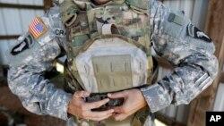 肯塔基州坎贝尔堡军事基地被偷窃的军事设备。