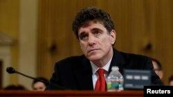 El director saliente del Servicio de Impuestos Internos, Steven Miller, testifica ante la Comisión de Medios y Arbitrios de la Cámara de Representes.