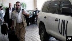 聯合國化學武器調查小組星期三抵達大馬士革的四季酒店。
