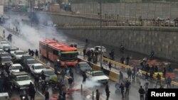 اعتراضها در ایران - عکس از آرشیو