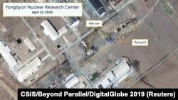 CSIS研究人员展示的2019年4月12日卫星图像显示的朝鲜北平安省宁边一个核研究中心。