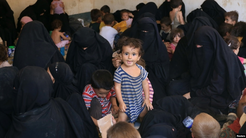https://www.voanews.com/a/iraq-confirms-islamic-state-families-moved-to-site-north-of-mosul/4034080.html