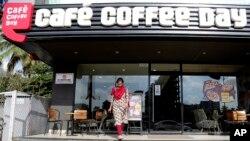 «کافه کافی دی» بزرگترین کافی شاپ هند است که بیش از ۱۷۰۰ شعبه در سراسر کشور دارد