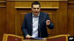 Grčki premijer Aleksis Cipras u obraćanju parlamentu (arhiva)