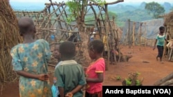 Crianças moçambicanas no campo de refugiados, Malawi.