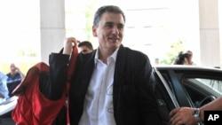 Euclide Tsakalotos (Giannis Kotsiaris/InTime News via AP)