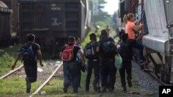 Expertos aseguran que la violencia generada por las pandillas en Centroamérica obliga a las personas a abandonar sus países y migrar a Estados Unidos.