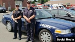 روبرتا سرناکی، رئیس پلیس موقت (راست) و کریستن اسکپین افسر پلیس - اداره پلیس «بلندفورد»