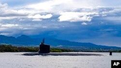 Tàu ngầm hạt nhân lớp Virginia của Mỹ ở căn cứ Trân Châu Cảng, 1/9/2021.