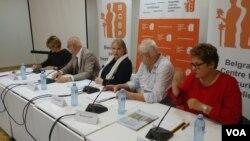 Učesnici skupa o Srbiji kao zarobljenoj državi, u beogradskoj Kući za ljudska prava, 29. juna 2018.